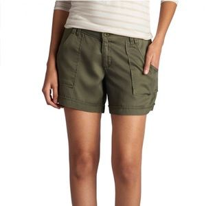 Lee Women's Midrise Fit Eloise Short - Moss size 8